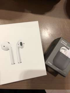 Apple Airpods + ( Free Case )