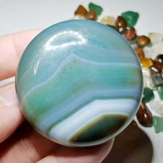 Beautifully laced Blue Green Agate flat Palm Stone 玛瑙 水晶