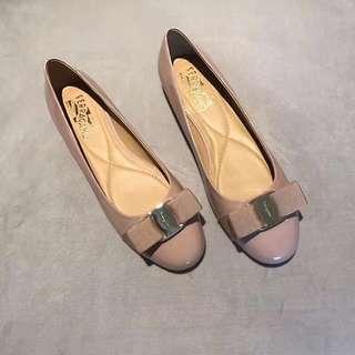 Salvatore ferragamo 經典平跟單鞋六色