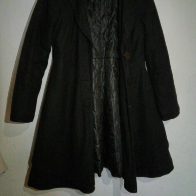 黑洋裝式大衣外套