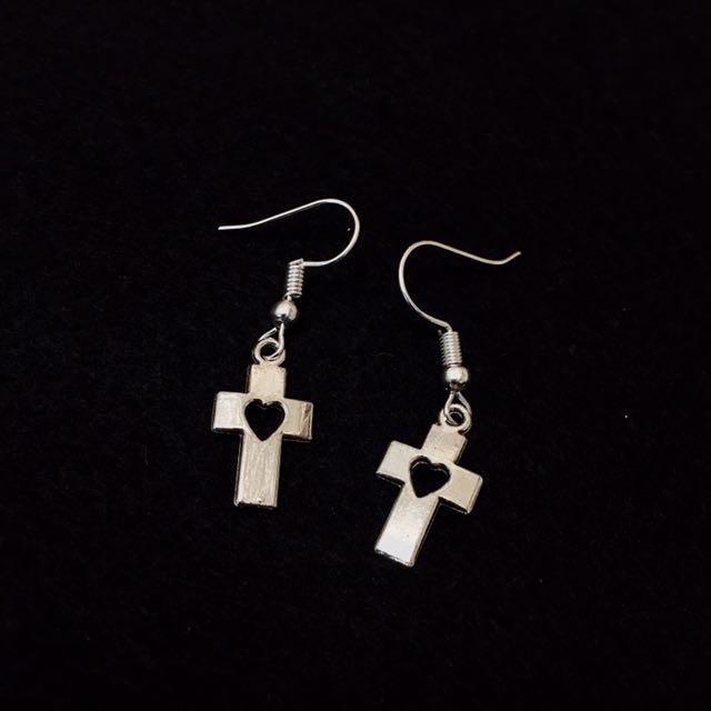 十字架的小愛耳針