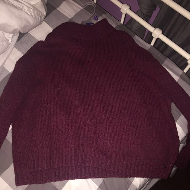 AE cropped mock neck Sweater (L)