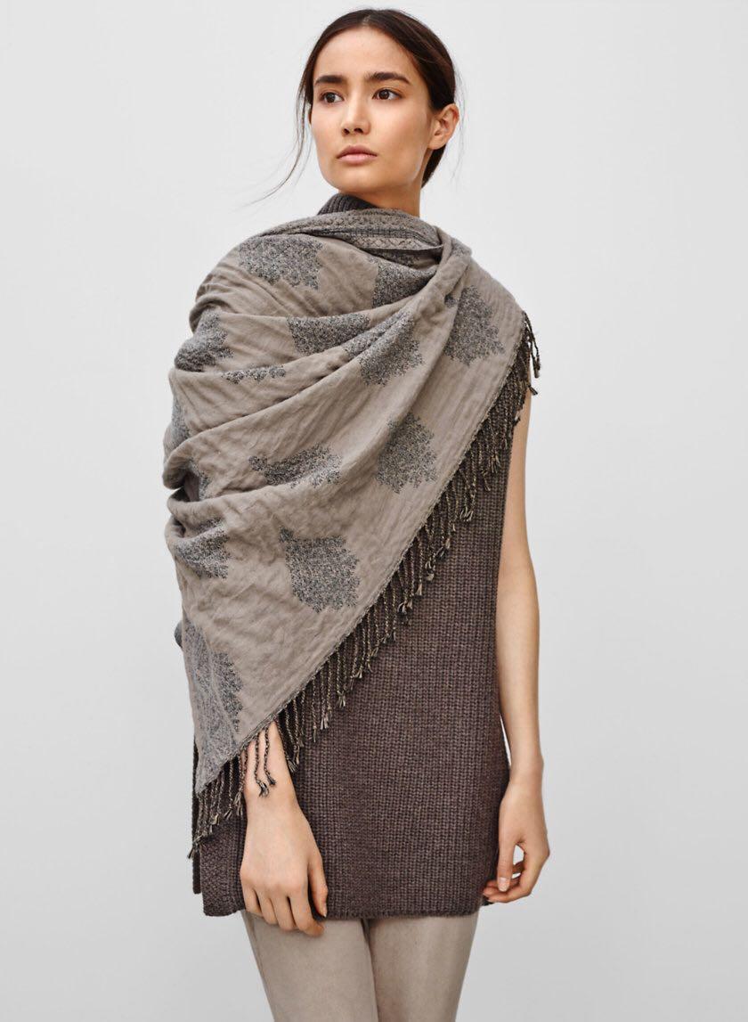 Aritzia - Wilfred Medina Blanket