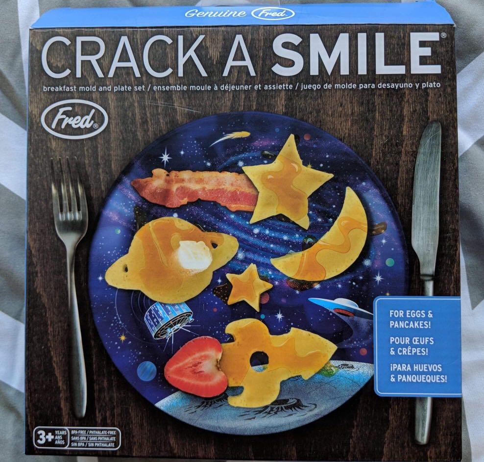 Brand New Fred & Friends Crack a Smile Breakfast Egg/Pancake Mold and Plate Set - Space