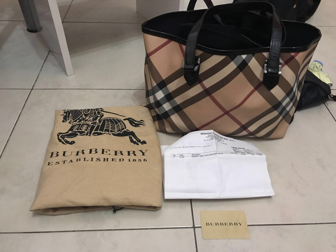 483dc6284a BURBERRY】NOVA CHECK TOTE BAG(small), Luxury, Bags & Wallets on ...