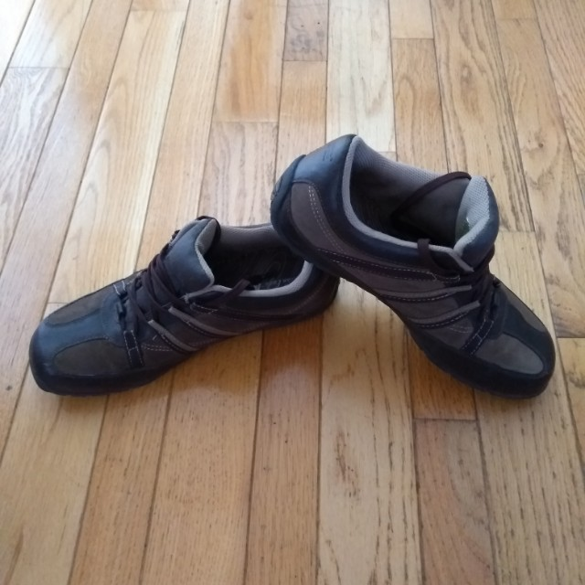 Casual shoes - size 10