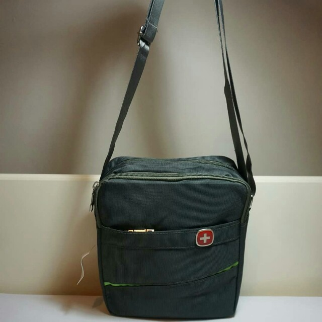 Clearance mens sling bag in green army