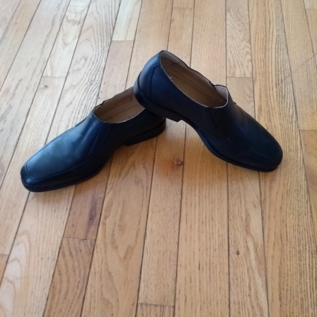 Dress shoe - size 11