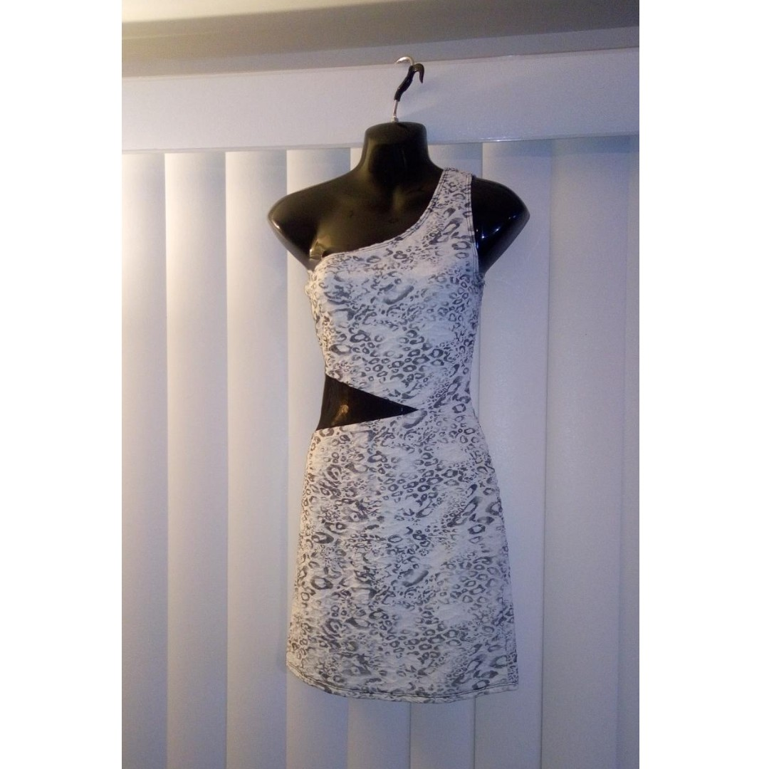 EUC ONE SHOULDER DRESS