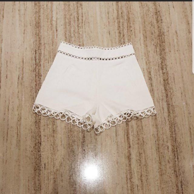 Korean round shorts