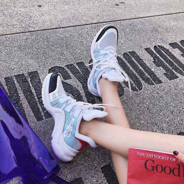 Lv同花色 撞色增高運動鞋