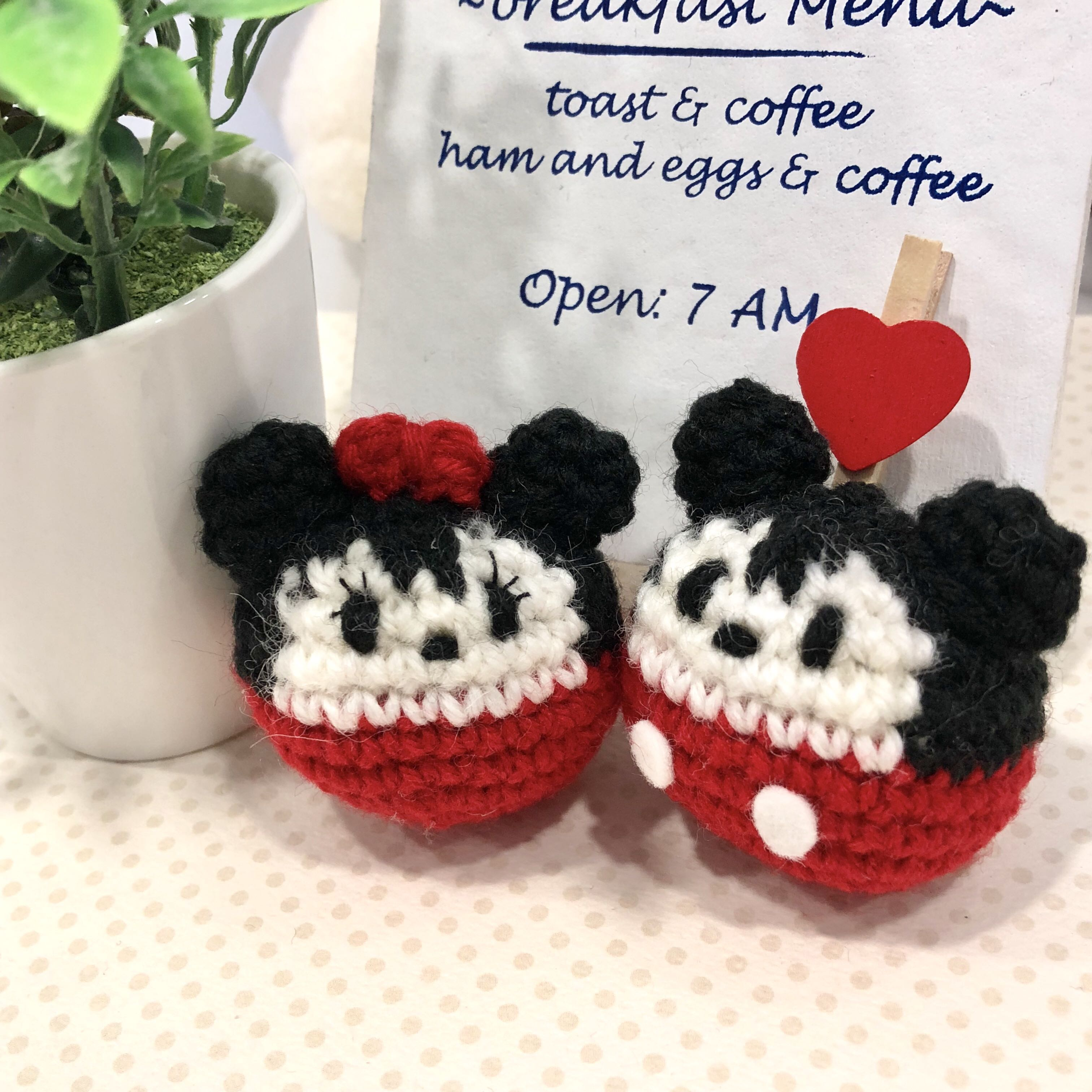 Minnie Mouse Inspired Baby Booties | AllFreeCrochet.com | 3024x3024