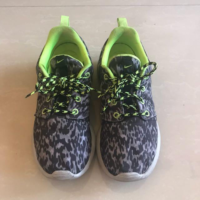 Nike Printed Roshe Run