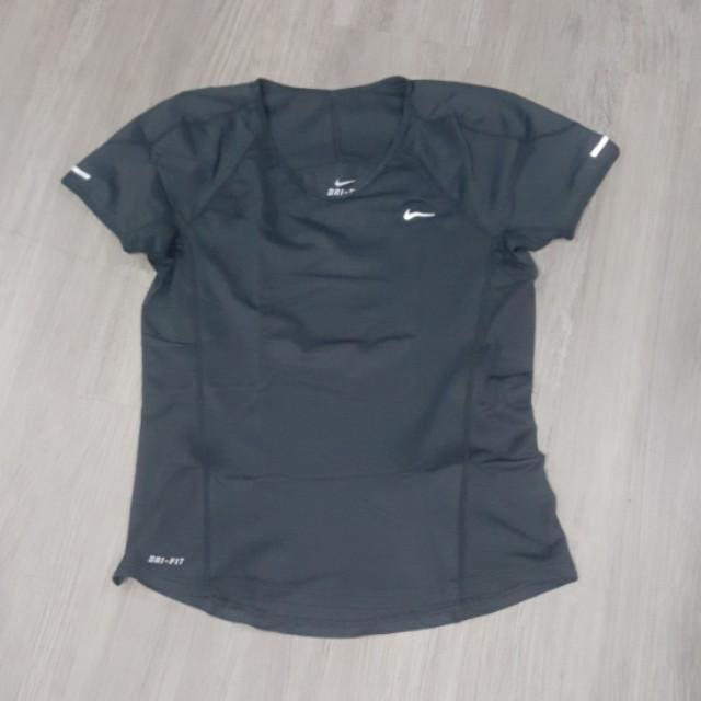Nike sportswear (M)