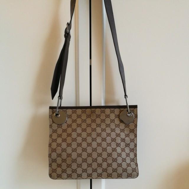3e84e2c1b93 REDUCED!Gucci monogram canvas sling bag