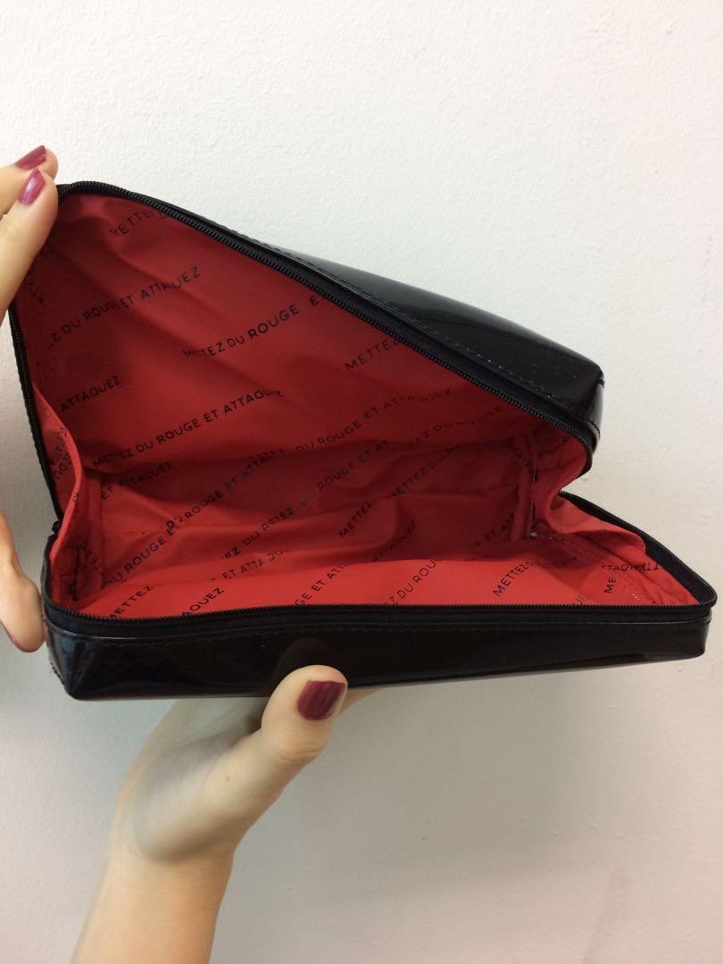 e799d5dc6f13 LAST PIECE ~ SHOPPY CHANEL BOXY POUCH, Women's Fashion, Bags & Wallets on  Carousell