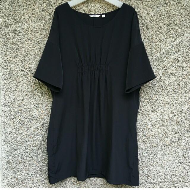 Uniqlo Satin Black Dress