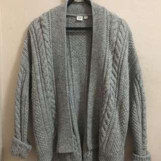 Gap羊毛麻花編織紋罩衫