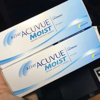 instock; one day acuvue moist contact lense (bnib)