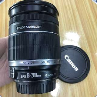 Canon efs 18-200mm IS zoom lens f3.5-5.6