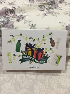 Innisfree - hair and face kit
