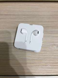 Apple earphone brand new with iPhoneX