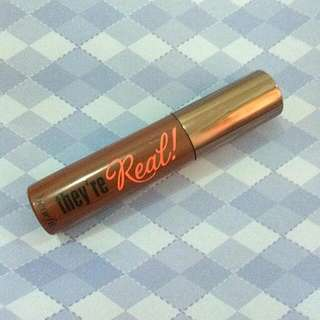 NEW Benefit They're Real Maacara