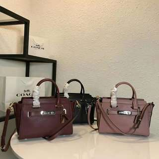 COACH PEBBLE LEATHER