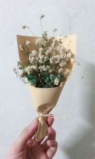 Mini baby breath bouquet ( dried flowers ) 16cm length