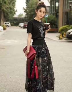 Dior迪奧 原單🔍款號: M8000 平紋 DIOR 牛皮翻蓋式手提包,搭配復古銀色金屬 配調節寬肩背帶 可手提肩背斜挎  尺寸:25*16.5*8cm