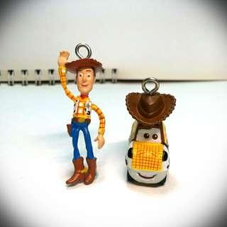 🚚 Disney迪士尼系列大集合吊飾擺飾 日本絕版轉蛋 玩具總動員胡迪 toy Story Woody