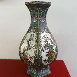 Porcelain Vase 陶瓷花瓶