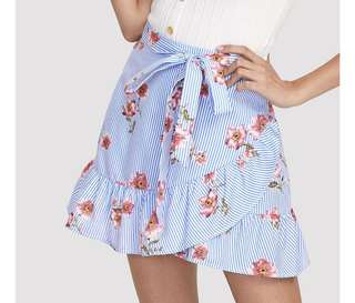 PO - Stripe And Flower Print Overlap Ruffle Skirt 2018 Summer Mid Waist Asymmetrical Mini Skirt Ruffle Hem Zipper Preppy Skirt
