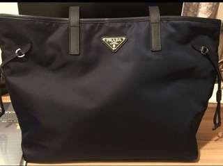 Prada 降落傘料 shopping bag