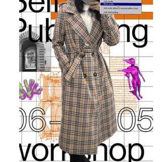 【黑店】Vintage經典格紋復古綁帶翻領長外套 綁帶雙排釦翻領格紋長外套 歐美時尚格紋長版外套春季款薄外套