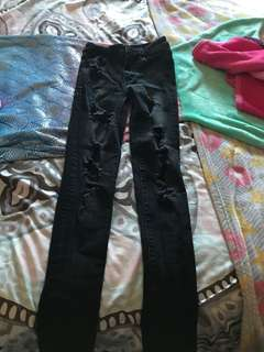 *REDUCED PRICE* American Eagle High Rise Distressed Jeans