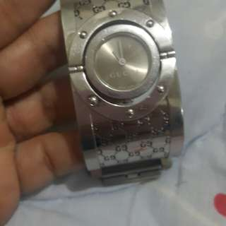 Authentic gucci twirl 112 watch