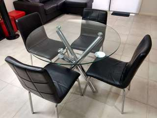 Near new 5 piece dining set
