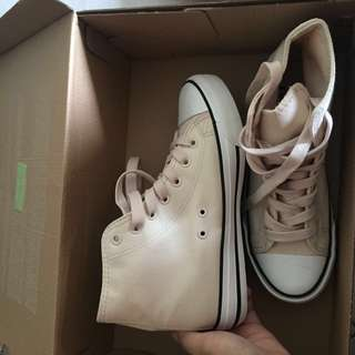 Rubi light pink high cut shoe ( Converse design )