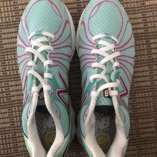 New balance women's running shoes
