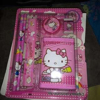 Hello Kitty 文具套裝 New set (have 5 sets)