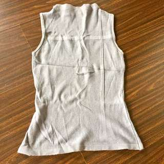 Gray body fit top