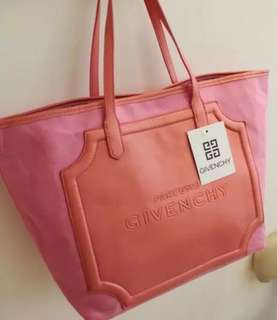 Givenchy 粉紅布袋