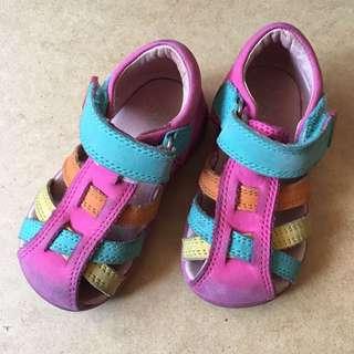 🚚 美牌涼鞋 內長13cm