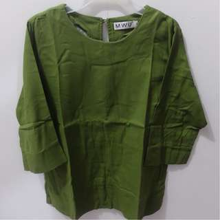 3/4 Sleeve Green Blouse (Size M)