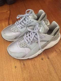 Nike Air Huarache grey sneakers