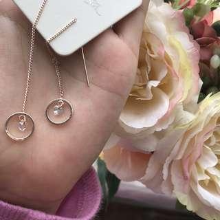 RRP:$14 Korean style diamond heart gold dangling earrings