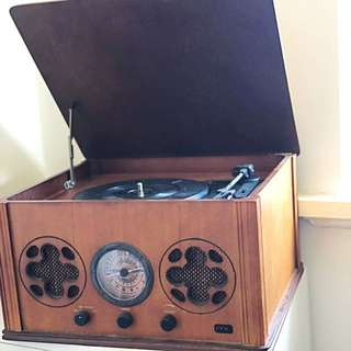 Vintage Retro Turntable / Record Player