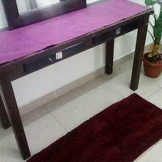 Console table free dlvery kl