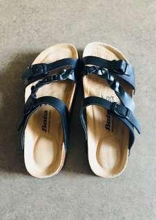 Comfortable ergonomic Sandals/slippers